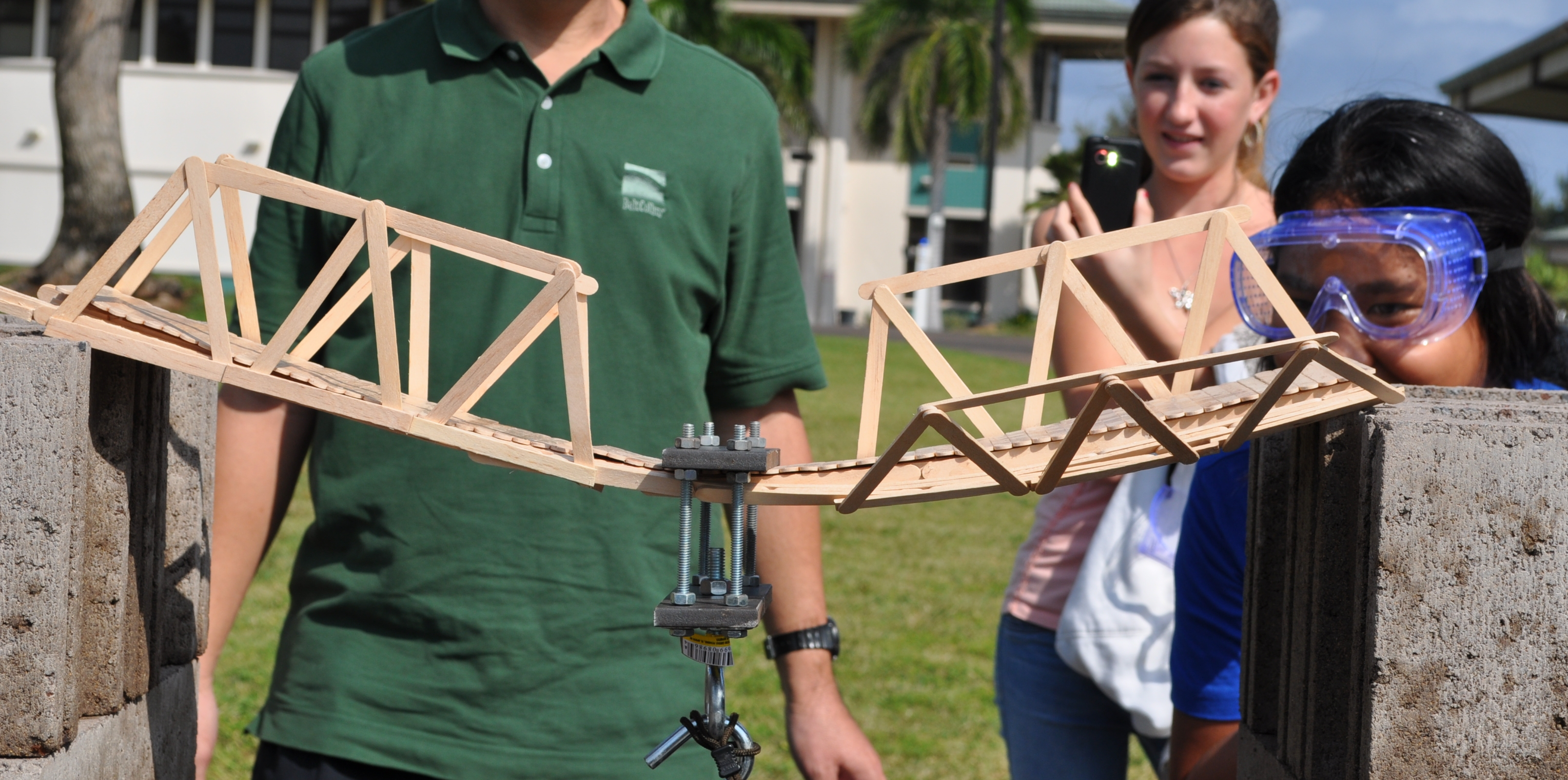 how to build a strong cardboard bridge